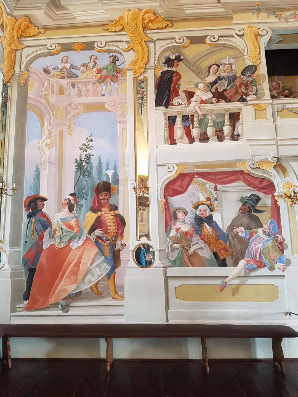 Väggmålningar i slottsteatern